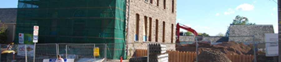 Renovations and additions being performed on a historic building in Niagara