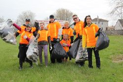 Picture of volunteers helping at the Clean Sweep event