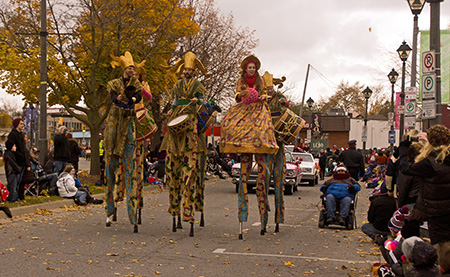 Maraca Tall Band on Stilts